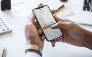 5 Aplikasi Trading Forex Terbaik untuk Smartphone Android 2020