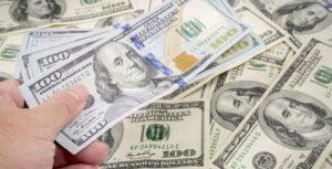 Dolar AS Naik Dipicu Pertumbuhan dan Inflansi yang Lebih Cepat